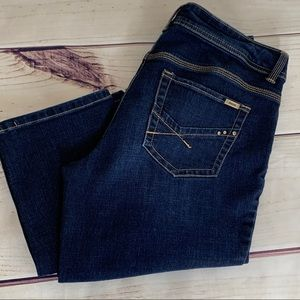 CHICO'S So Slimming Straight Leg Dark Washed Jeans